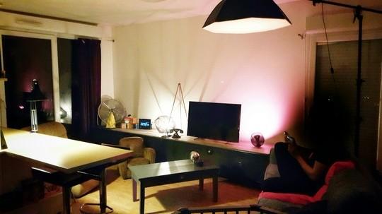 Un salon composes que de meubles ramasses dans la rue ou donnes