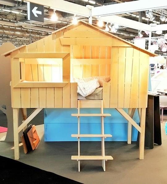 Un lit mezzanine en forme de cabane par Mathis By Bols. Spotted a M&O 2015